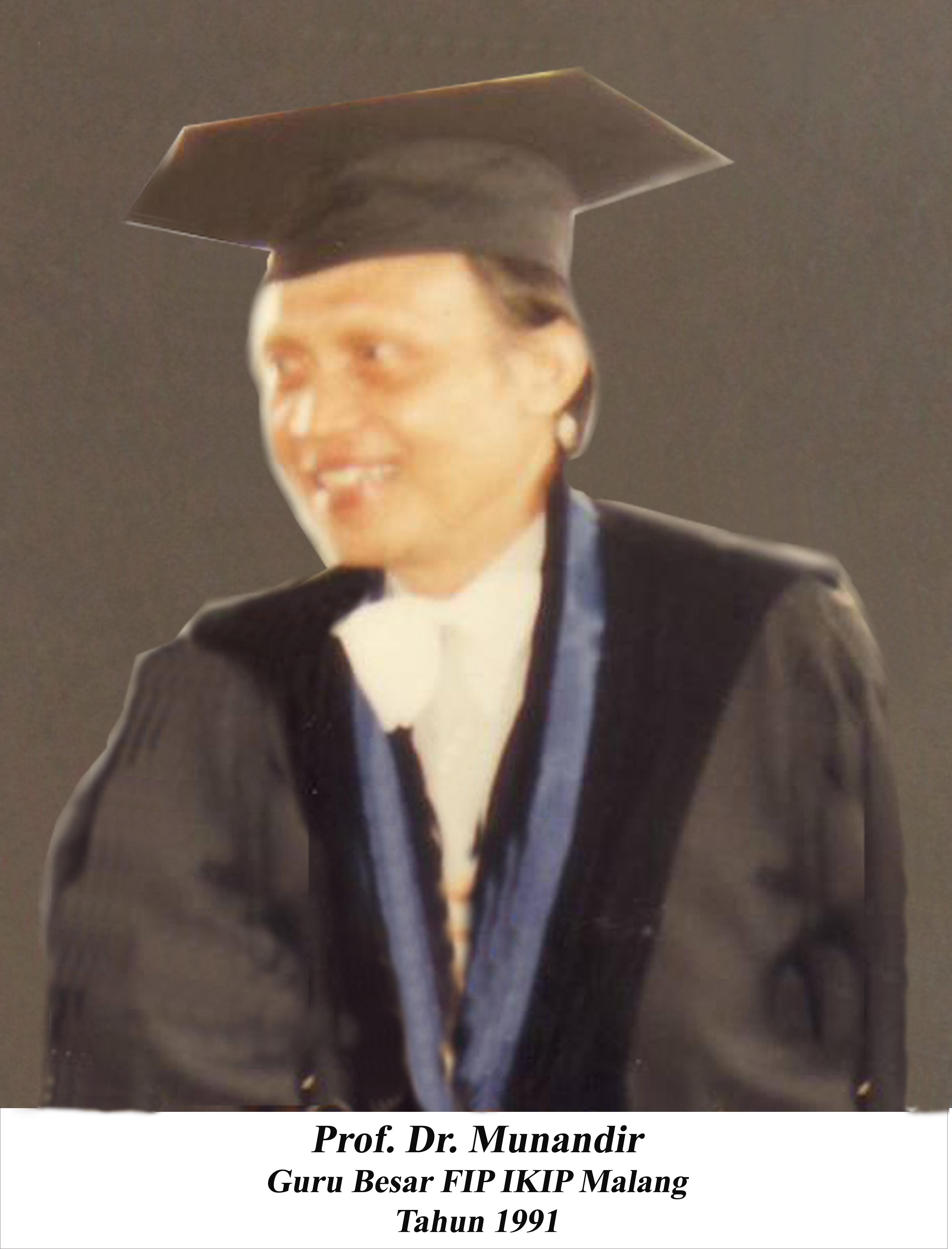 Prof. Dr. Munandir, MA