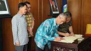 penandatanganan Kontrak